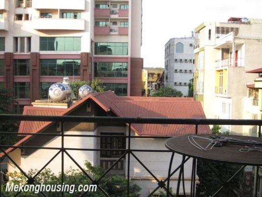 One bedroom serviced apartment for rent in Lang Ha street, Dong Da district, Hanoi 4
