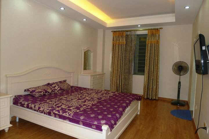 One bedroom serviced apartment for rent in Van Cao street, Ba Dinh district, Hanoi