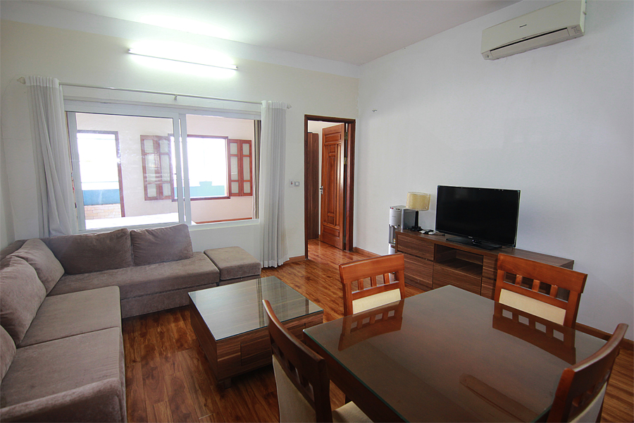 One bedroom serviced apartment for rent on Au Co street, Hanoi 2