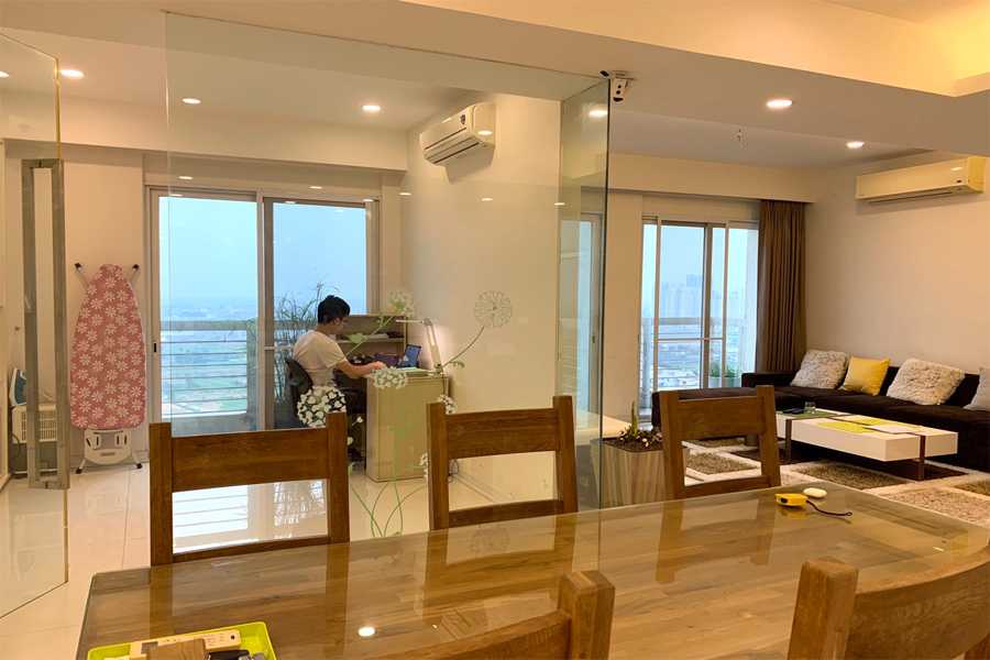 Outstanding apartment with modern design for rent in E5 tower Ciputra 5