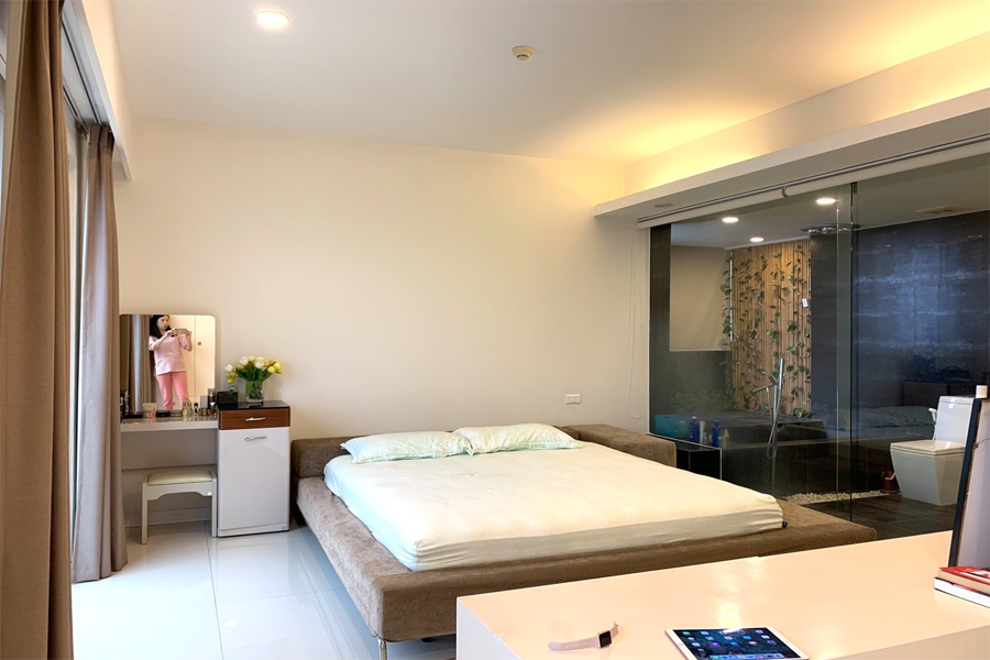 Outstanding apartment with modern design for rent in E5 tower Ciputra 8