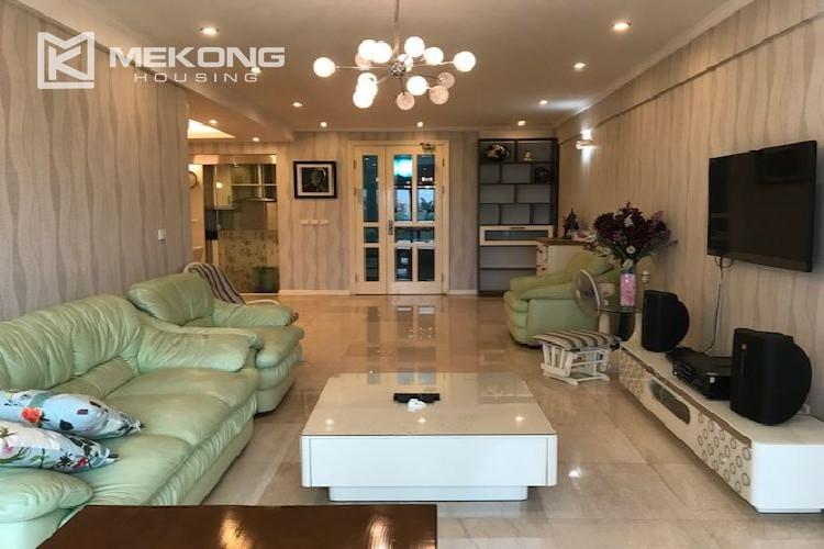 Renovated 182 m2 apartment with 3 bedrooms in P2 tower Ciputra Hanoi 1