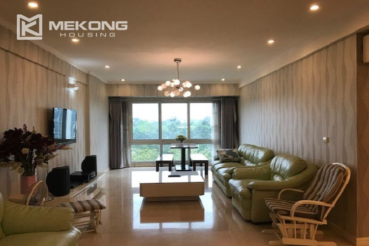 Renovated 182 m2 apartment with 3 bedrooms in P2 tower Ciputra Hanoi 3