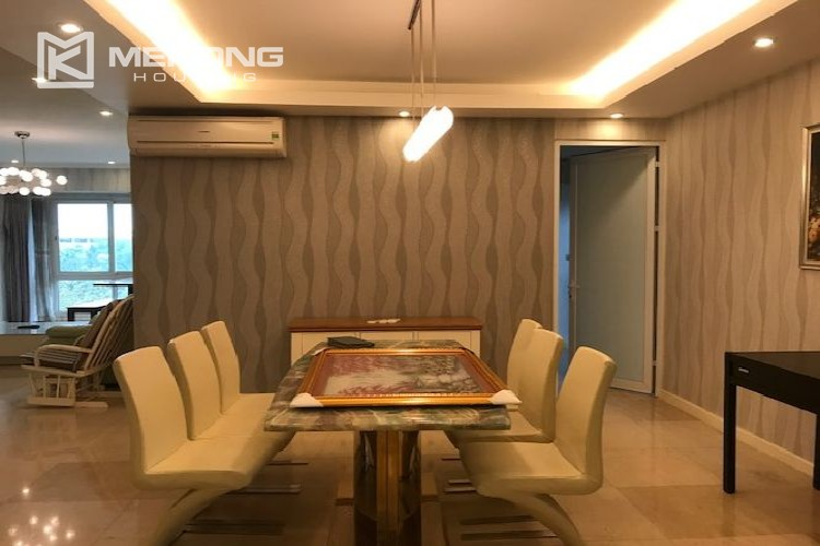 Renovated 182 m2 apartment with 3 bedrooms in P2 tower Ciputra Hanoi 6