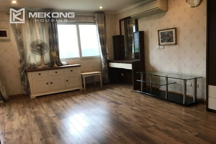 Renovated 182 m2 apartment with 3 bedrooms in P2 tower Ciputra Hanoi 9