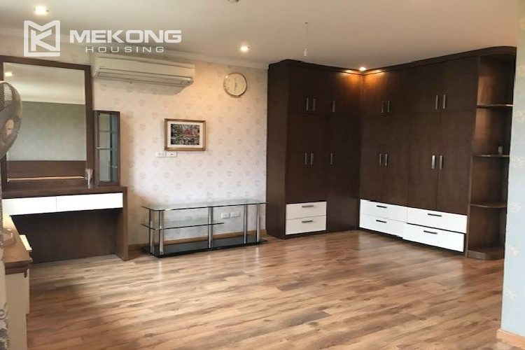 Renovated 182 m2 apartment with 3 bedrooms in P2 tower Ciputra Hanoi 12