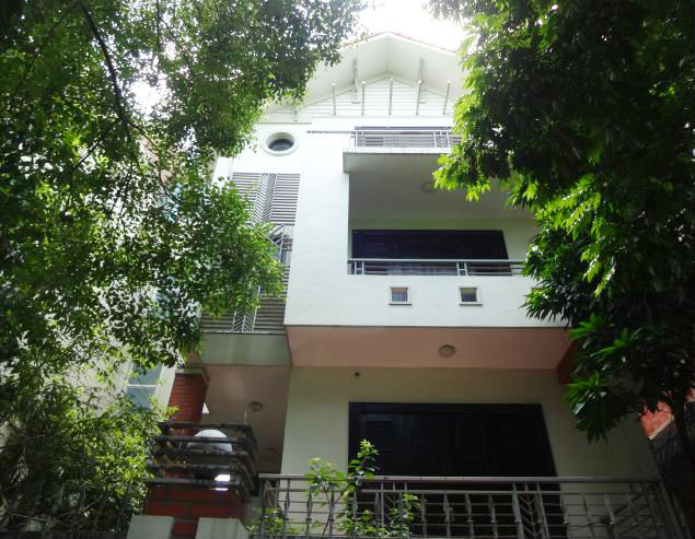 Rental beautiful villa with garden, 250 sqm in Dang Thai Mai street, Tay Ho, Hanoi