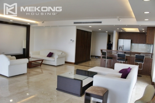 Serviced apartment with lake view and 3 bedrooms for rent in Tay Ho 4