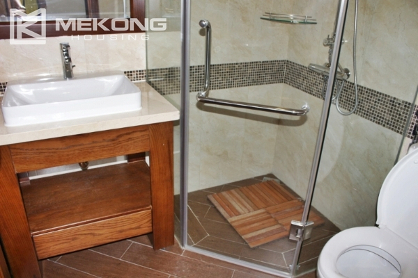 Serviced apartment with lake view and 3 bedrooms for rent in Tay Ho 11