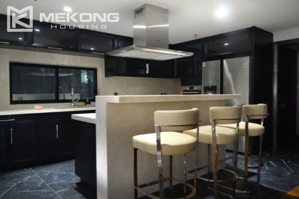Spacious and fully furnished apartment with 3 bedrooms for rent in Hoan Kiem district, Hanoi 3