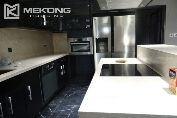 Spacious and fully furnished apartment with 3 bedrooms for rent in Hoan Kiem district, Hanoi 4