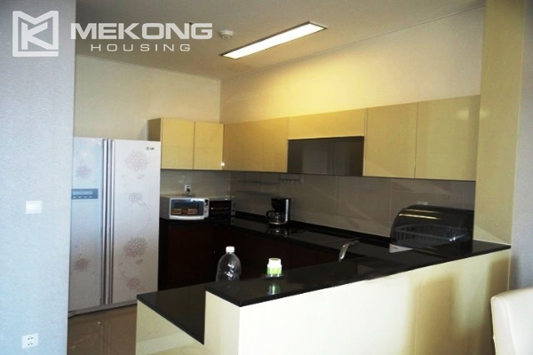 Spacious and modern furnished apartment with 3 bedrooms for rent in Keangnam Hanoi Tower 4