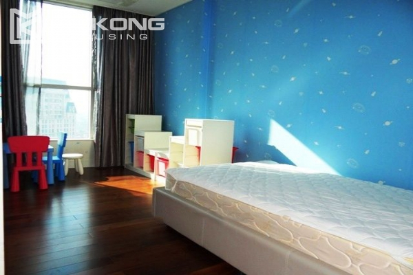 Spacious and modern furnished apartment with 3 bedrooms for rent in Keangnam Hanoi Tower 10