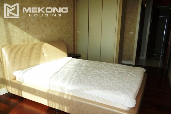 Spacious and modern furnished apartment with 3 bedrooms for rent in Keangnam Hanoi Tower 8