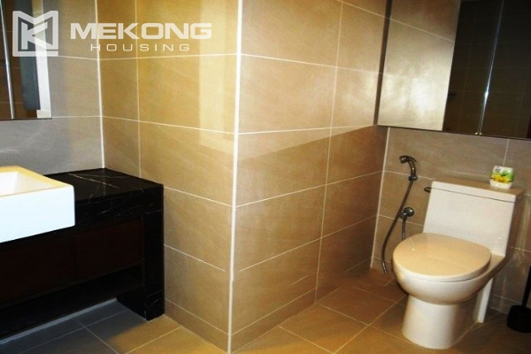 Spacious and modern furnished apartment with 3 bedrooms for rent in Keangnam Hanoi Tower 15