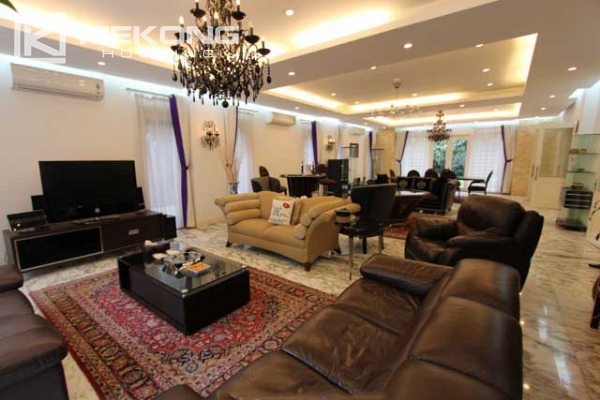 Spacious and modern villa with large garden for rent in Tay Ho district 7