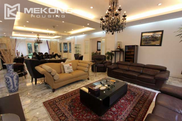 Spacious and modern villa with large garden for rent in Tay Ho district 8