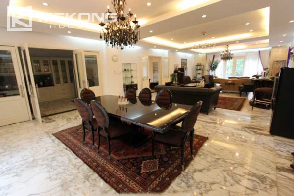 Spacious and modern villa with large garden for rent in Tay Ho district 10