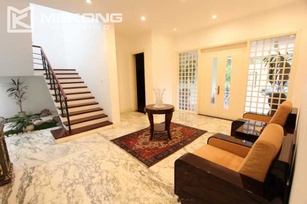 Spacious and modern villa with large garden for rent in Tay Ho district 14