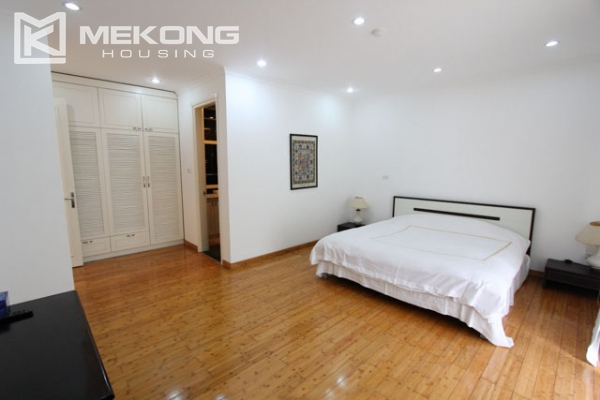 Spacious and modern villa with large garden for rent in Tay Ho district 20