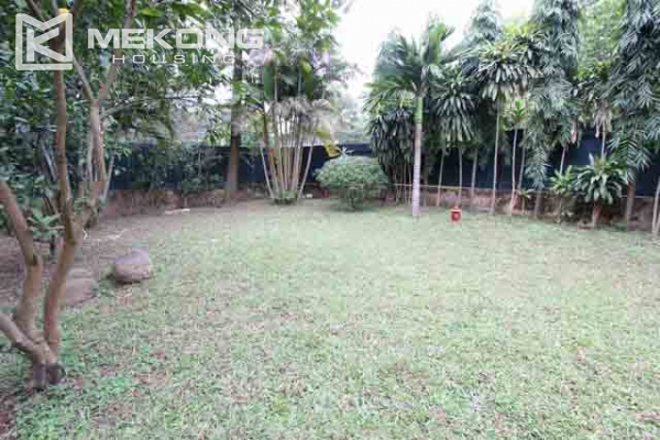 Spacious and modern villa with large garden for rent in Tay Ho district 3
