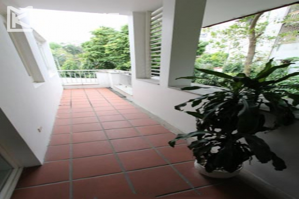 Spacious and modern villa with large garden for rent in Tay Ho district 11