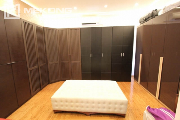 Spacious and modern villa with large garden for rent in Tay Ho district 16