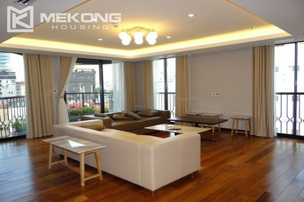 Spacious and modernly furnished apartment with 3 bedrooms for rent in Hoan Kiem district, Hanoi 2