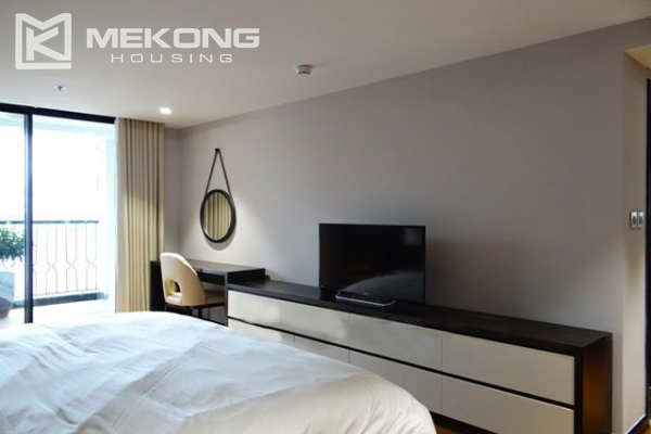 Spacious and modernly furnished apartment with 3 bedrooms for rent in Hoan Kiem district, Hanoi 18
