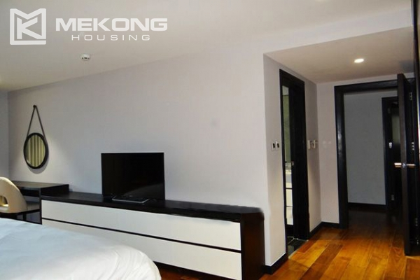 Spacious and modernly furnished apartment with 3 bedrooms for rent in Hoan Kiem district, Hanoi 19