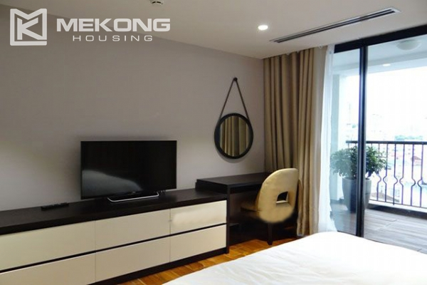 Spacious and modernly furnished apartment with 3 bedrooms for rent in Hoan Kiem district, Hanoi 7