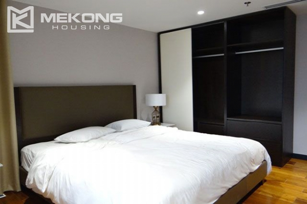 Spacious and modernly furnished apartment with 3 bedrooms for rent in Hoan Kiem district, Hanoi 8