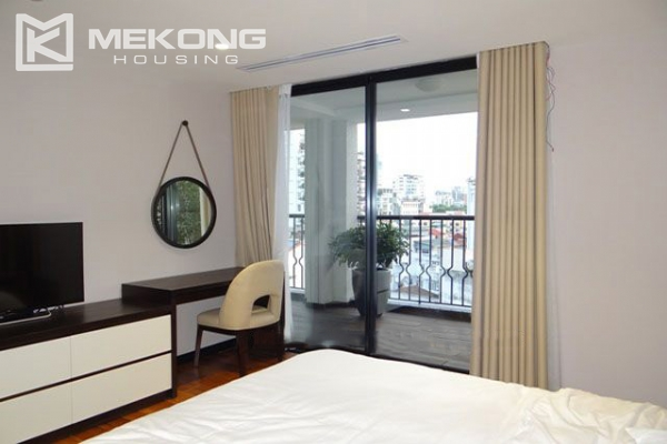 Spacious and modernly furnished apartment with 3 bedrooms for rent in Hoan Kiem district, Hanoi 9