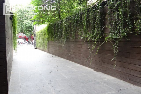 Spacious and modernly furnished apartment with 3 bedrooms for rent in Hoan Kiem district, Hanoi 16