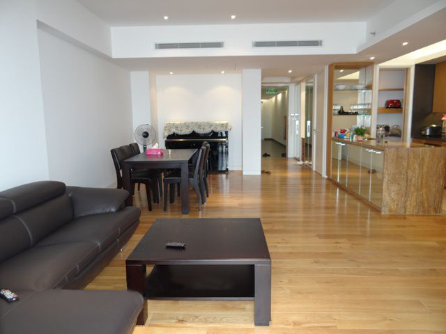 Spacious and well designed apartment with 3 bedrooms for rent in Indochina Plaza Hanoi