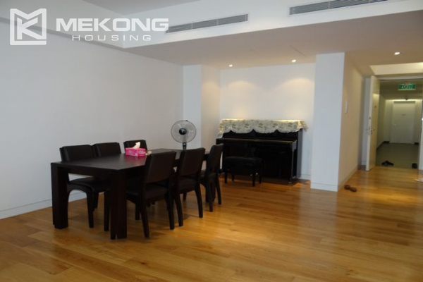 Spacious and well designed apartment with 3 bedrooms for rent in Indochina Plaza Hanoi 2
