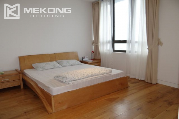 Spacious and well designed apartment with 3 bedrooms for rent in Indochina Plaza Hanoi 14