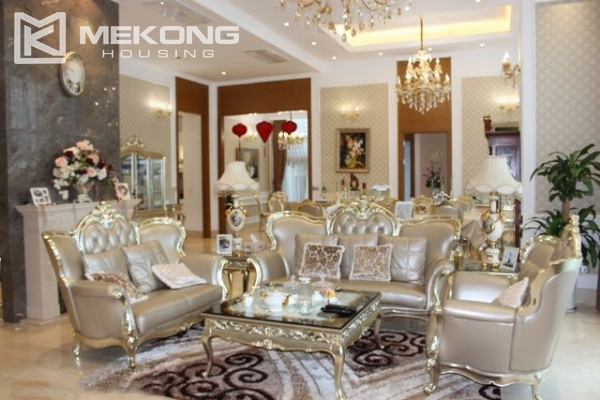 Spacious penthouse with luxury furniture for rent in Keangnam Landmark Hanoi 2