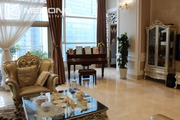 Spacious penthouse with luxury furniture for rent in Keangnam Landmark Hanoi 6