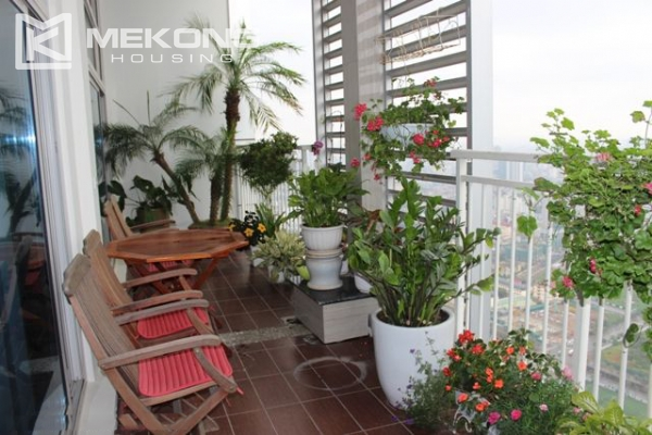 Spacious penthouse with luxury furniture for rent in Keangnam Landmark Hanoi 12