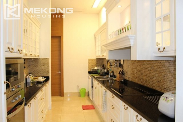 Spacious penthouse with luxury furniture for rent in Keangnam Landmark Hanoi 9