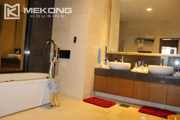 Spacious penthouse with luxury furniture for rent in Keangnam Landmark Hanoi 14