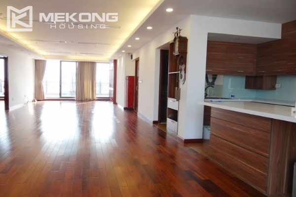 Spacious penthouse with panorama Westlake view for rent in Xuan Dieu street 5