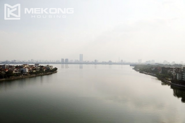Spacious penthouse with panorama Westlake view for rent in Xuan Dieu street 17