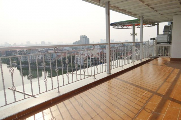 Spacious penthouse with panorama Westlake view for rent in Xuan Dieu street 19