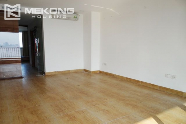 Spacious penthouse with panorama Westlake view for rent in Xuan Dieu street 20