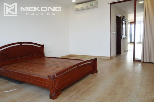 Spacious penthouse with panorama Westlake view for rent in Xuan Dieu street 1