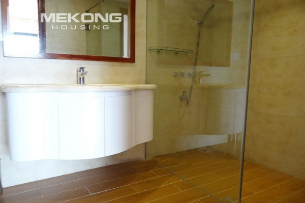 Spacious penthouse with panorama Westlake view for rent in Xuan Dieu street 7