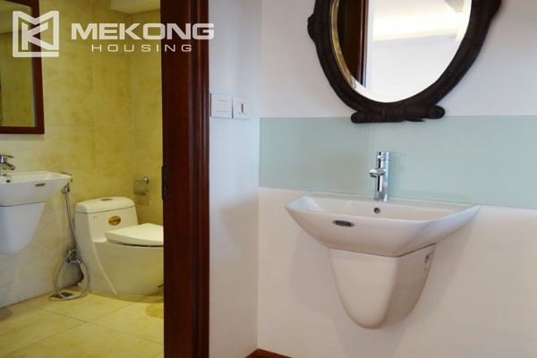 Spacious penthouse with panorama Westlake view for rent in Xuan Dieu street 9