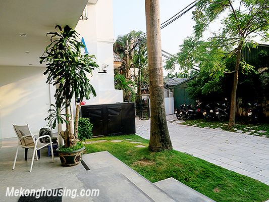 Spacious serviced apartment with 4 bedrooms, large balcony and lake view in Xom Chua, Tay Ho 18